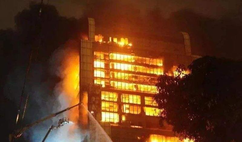 焰魔吞噬名企厂房!?火灾问题第三方权威鉴定机构代你解答!